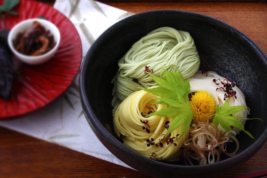 三色三輪素麺・調理写真